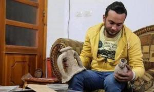 شاب غزّي يقتني 5 آلاف قطعة اثرية تاريخية
