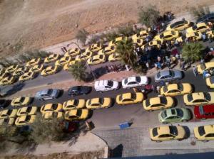 اصحاب التاكسي يهددون بالتصعيد