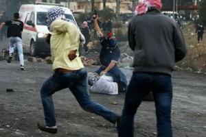 اصابة 17 فلسطينيا خلال قمع الاحتلال لمسيرات سلمية بنابلس