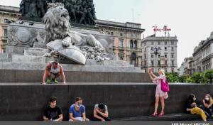 إيطاليا تسجل ارتفاعا في وفيات كورونا وانخفاضا في إصاباته