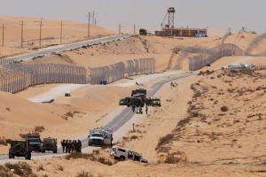 قناص يقتل موظفا بوزارة جيش الكيان على حدود مصر
