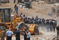 الاحتلال يخطر بهدم الخان الاحمر مطلع الشهر القادم