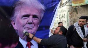 اضراب شامل يعم الاراضي الفلسطينية احتجاجا على زيارة بنس