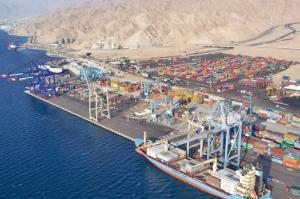 عمال ميناء الحاويات بالعقبة يلوحون بالإضراب الشامل (وثيقة)