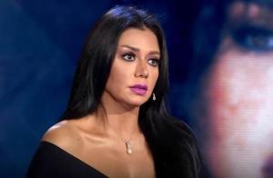 رانيا يوسف تدخل في نوبة بكاء شديدة (شاهد)