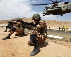 القوات المسلحة: مقتل متسللين حاولا تهريب مخدرات من سوريا الى المملكة
