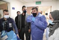 النائب السعود يوزع الهدايا على أطفال مستشفى البشير (صور)
