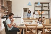 التأثيرات الصحية للبقاء في المنزل