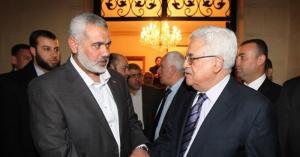 هنيه لعباس : نقف خلفكم لرفض صفقة القرن