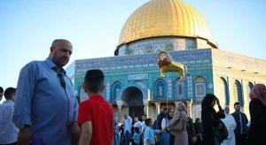 عشرات الألاف أدوا صلاة العيد في الأقصى