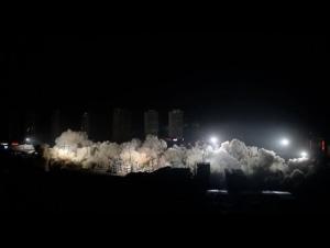شاهد بناء سنوات نُسف بـ10 ثوان (فيديو)