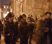 اعتداءات واعتقالات في الاقصى