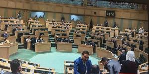 القرامسة: لن تمر الجلسة دون ان يعتذر وزير الداخلية ..  والرزاز يرد