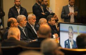يديعوت: حماس وعدت مصر بعدم تقديم أي مرشح منها للرئاسة