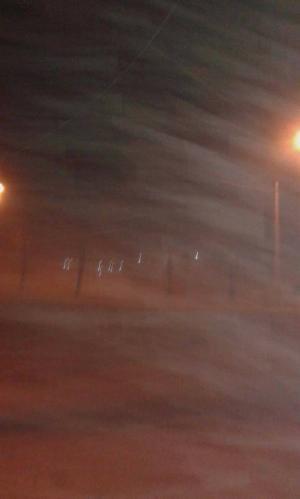 اغلاق الطريق الصحراوي بسبب الرياح  ..  والامن يحذر