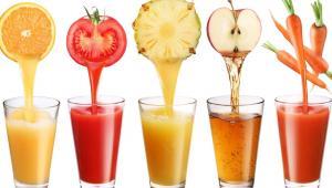 لهذه الأسباب ..  لا تعطوا العصير لأطفالكم!