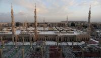 فتح المسجد النبوي أمام المصلين الأحد