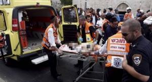 اصابة شاب برصاص الاحتلال عقب تنفيذه عملية طعن  (فيديو)