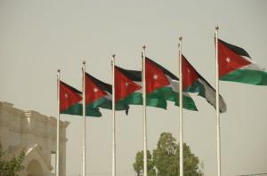 الحكومة توافق على ايصال الخدمات للابنية المقامة على اراضي الخزينة