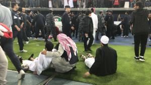 الكويت  ..  اصابات بين الجماهير بانهيار سياج ستاد جابر الدولي (فيديو)