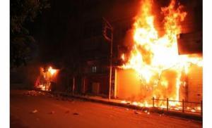 اندلاع حريق بمحل البسة في وسط البلد
