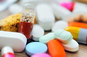 مستشفيات حكومية تستخدم أدوية ممنوعة من الصحة