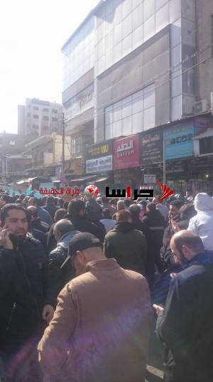 من أمام الحسيني ..  هذا الغاز غازنا اسمعوا يا نوابنا (فيديو وصور)