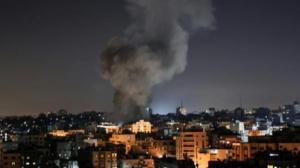 الإحتلال يقصف موقعين للمقاومة في غزة