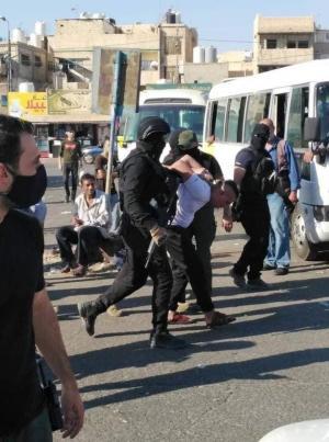 142 مطلوبا وفارض أتاوة بقبضة الأمن (صور)