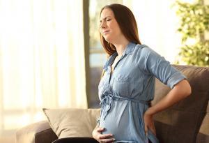 آلام الظهر أثناء الحمل وبعد الولادة ماذا تعني؟