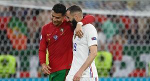بنزيما يكشف السر بينه وبين رونالدو خلال المباراة