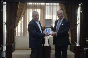 """رئيس """"عمان الاهلية """" يستقبل رئيس وأعضاء بلدية الفحيص"""