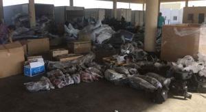 ضبط بنادق صيد وبضائع مختلفة في جمرك العمري (صور)