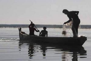 من يوقف الصيد الجائر بالمسطحات المائية؟