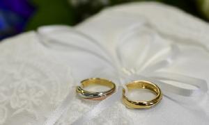 زفاف نجل سعد هايل السرور تماشياً مع اوامر الدفاع