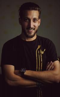 الإعلامي والمؤثر الفلسطيني أحمد عوض يثير الجدل في حلقته الأولى