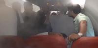 حيلة غريبة من قائد طائرة لطرد الركاب (فيديو)