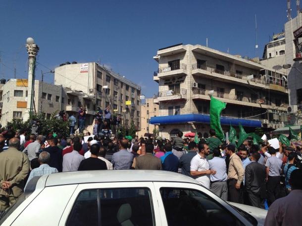 ساحات الأقصى فارغة من المصلين وقمع مسيرات النصرة بالضفة  Image