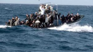 """العثور على 25 جثة لمهاجرين غير شرعيين في """"المتوسط"""""""