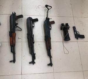 احباط محاولتي تهريب أسلحة ومخدرات من سوريا