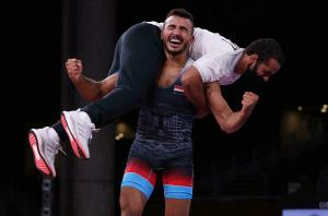 المصري كيشو يحرز برونزية المصارعة اليونانية الرومانية