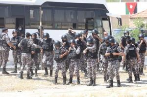 الامن : تعاملنا بالقوة مع متظاهرين دخلوا لمزارع خاصة في الشونة