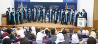 خريجو كلية التمريض في جامعة الزرقاء يؤدون القسم القانوني