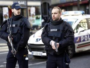مقتل 3 اشخاص طعناً بهجوم قرب كنيسة في فرنسا