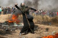 """""""اسرائيل"""" تعاني ..  اشتباكات مسلحة على الأرض ..  وصواريخ تدك معاقلها"""