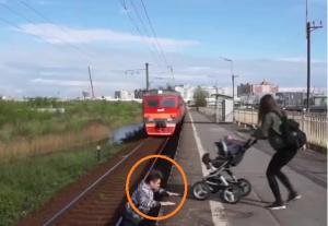 ما حقيقة فيديو الشاب الاردني الذي انقذ طفلاً بلجيكياً من الموت؟ (صور وفيديو)