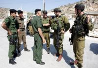 """أجهزة أمن السلطة تُعيد إسرائيليتين دخلتا مخيم الأمعري في حالة """"سُكر"""""""