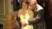 مقاضاة مصور بسبب صور زفاف غير لائقة (شاهد)