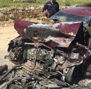 9 إصابات بحادث تصادم في وادي شعيب (صور)