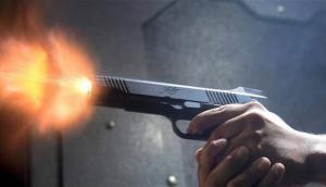 قتل شقيقه أمام المركز الأمني في مادبا